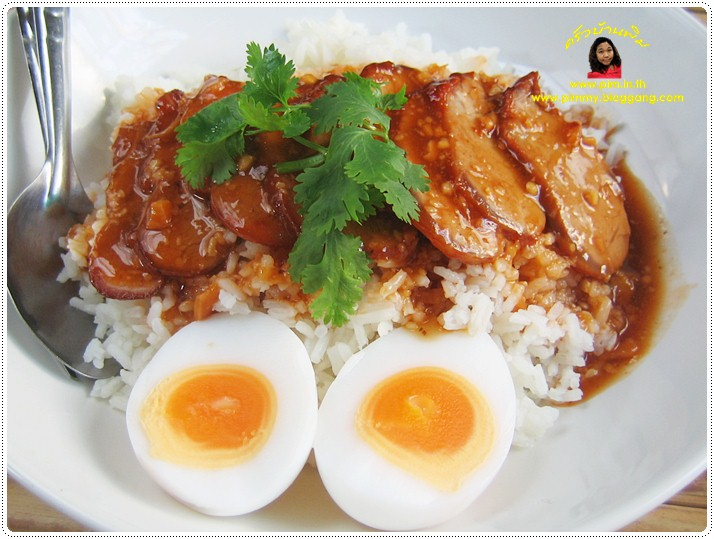 http://pim.in.th/images/all-one-dish-food/kao-moo-dang/kao-moo-daeng-04.JPG