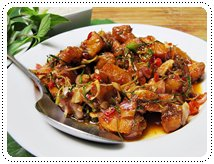 http://pim.in.th/images/all-side-dish-fish/pla-pla-tubtim-tod/red-tilapia-spicy-salad-01.JPG