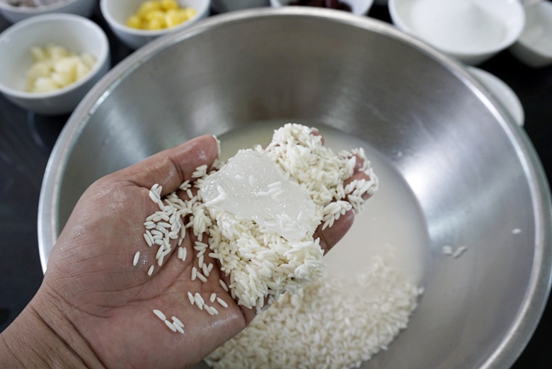 sticky rice with grains 04